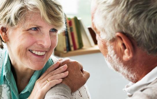 Opieka hospicyjna domowa. Jaki sprzęt medyczny można wypożyczyć z hospicjum?