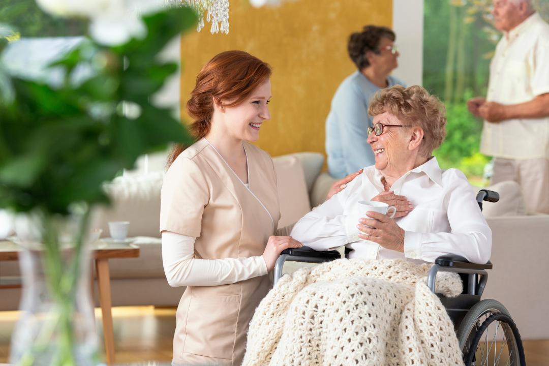 Całodobowa opieka w hospicjum. Na co mogą liczyć pacjenci w hospicjum stacjonarnym?